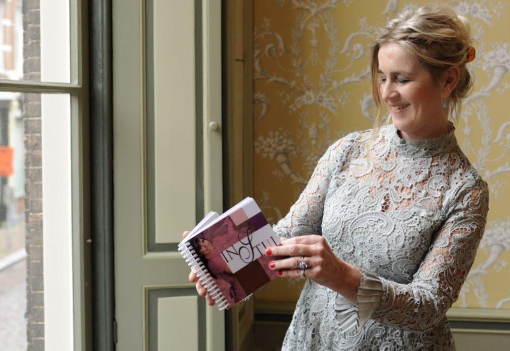 Rebecca met stijlboekje